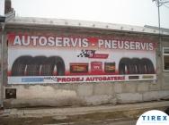 banner na zdi domu
